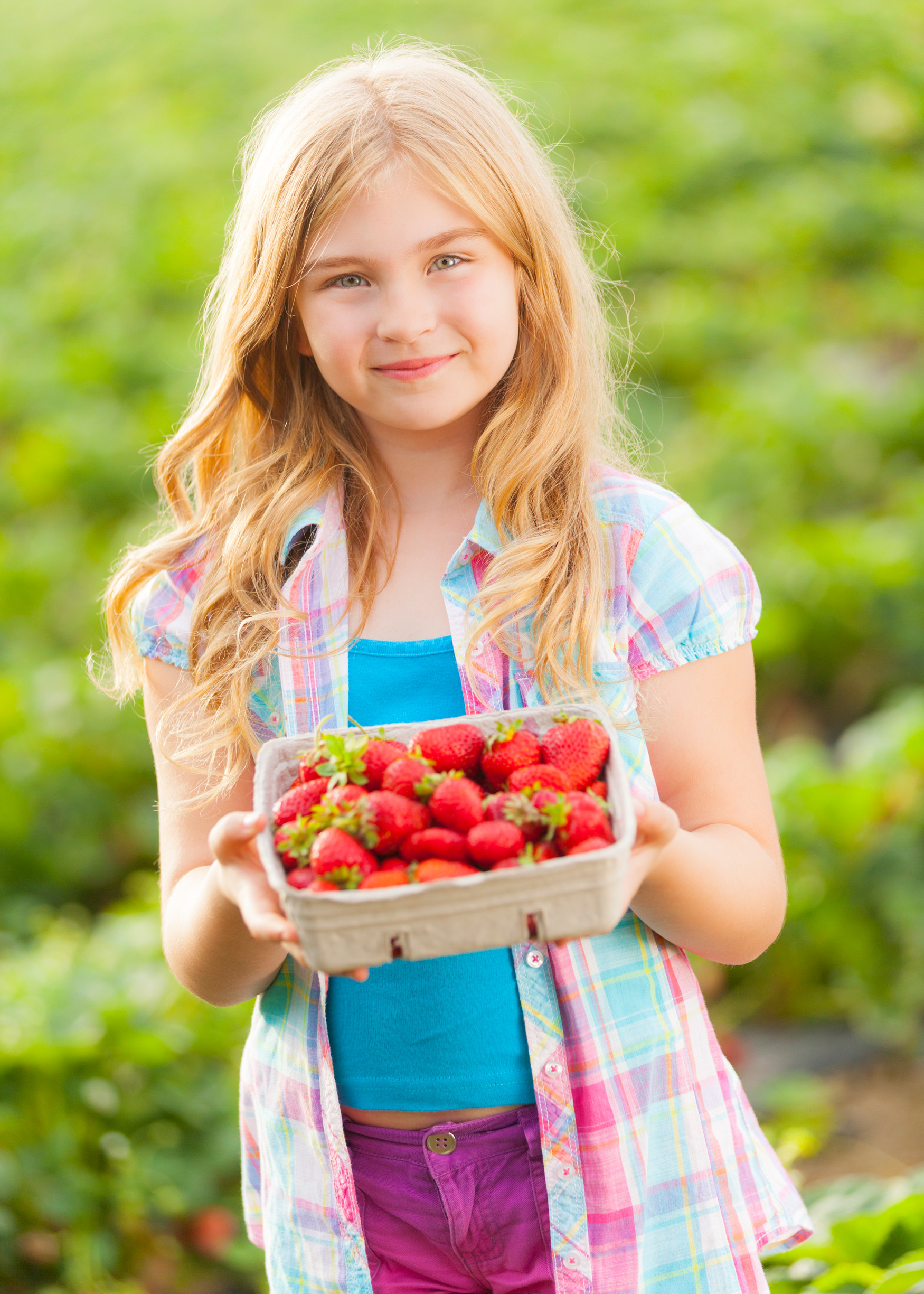 Girl w Strawberries 2